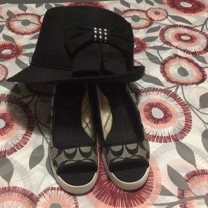 🖤Authentic Coach Black/gray wedges & Hat 🖤
